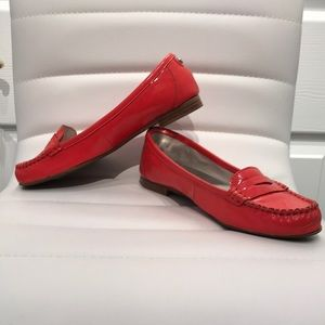 Michael Kors Tangerine color loafers. Size 6.5